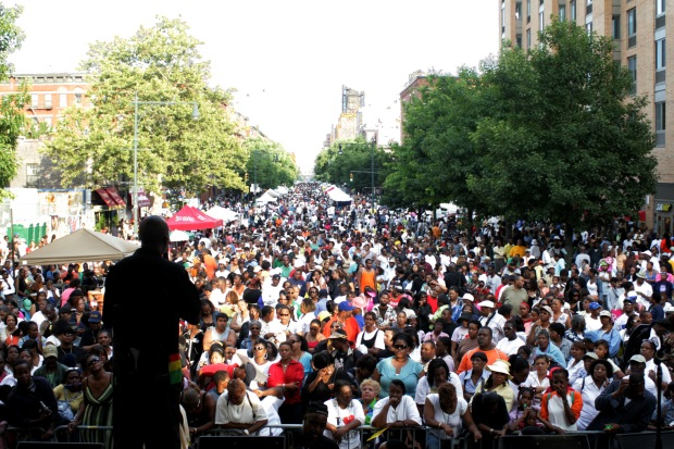 harlem week crowds