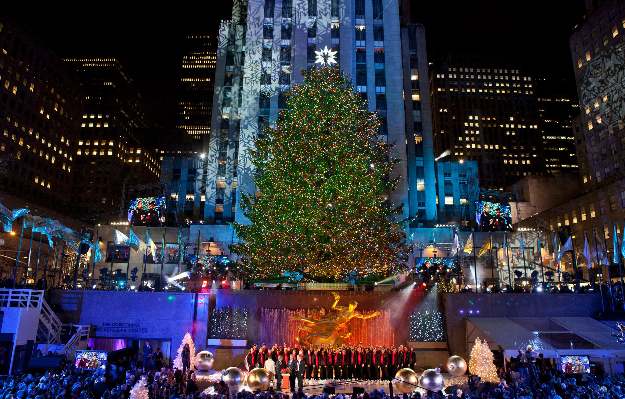 Rockefeller center christmas tree lighting | New York Sightseeing